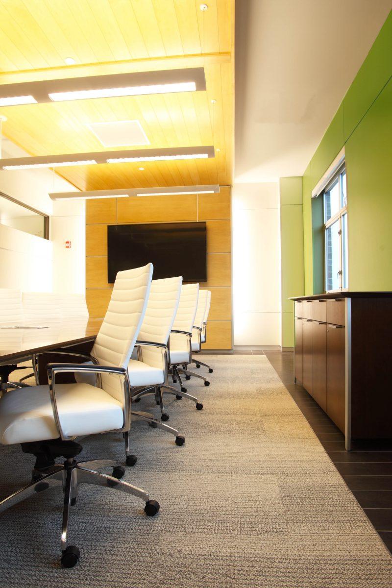 Furniture & Flooring